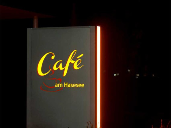 Lichtwerbung Leuchtwerbung Pylon in Osnabrück  Café am Hasesee Bramsche